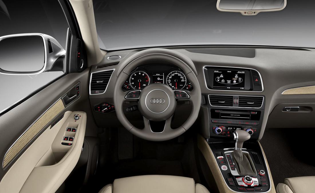 Speedy Noleggi Audi Q5 interno guidatore