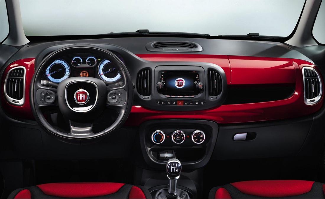 Speedy Noleggi Fiat 500 interni