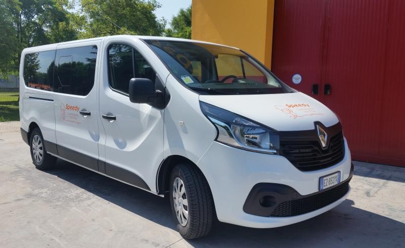 Renault Trafic 9 posti 2015 1