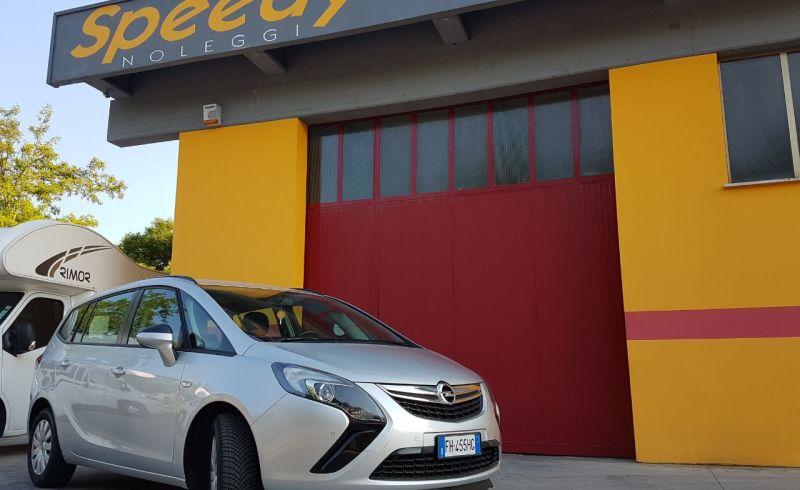 Auto Opel Zafira Tourer 2017 1