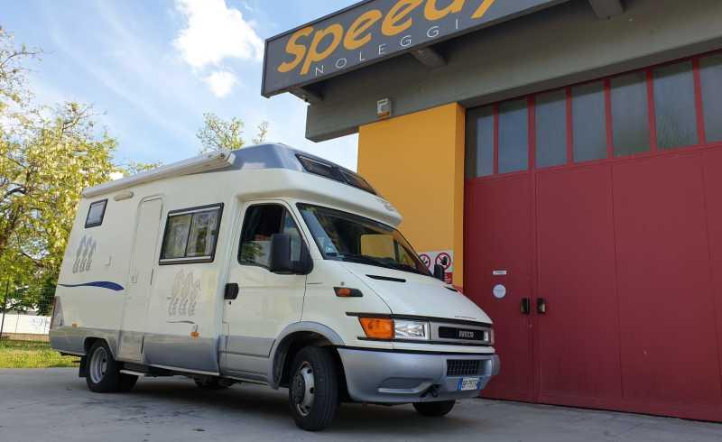 Camper_Nuova_Marostica_Royal_Sistem_635_2000_Usato_Vendita_Speedy_Noleggi_1